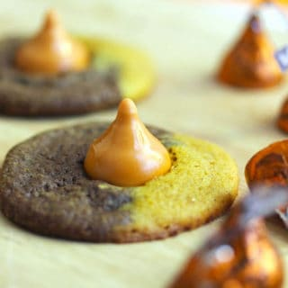 halloween kiss cookie4 320x320 - Pumpkin Chocolate Swirl Kiss Cookies