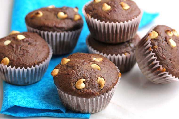 Light White Chocolate Chocolate Muffins