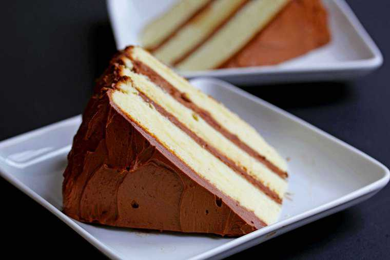 Yellow Cake With Chocolate Mousse Filling