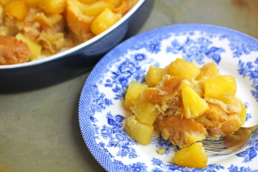 ... http://www.grandbaby-cakes.com/2014/05/baked-pineapple-french-toast