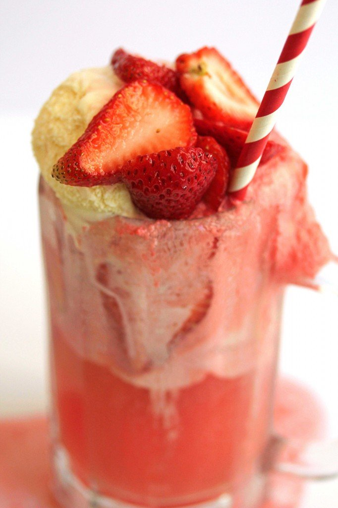 strawberry ice cream float