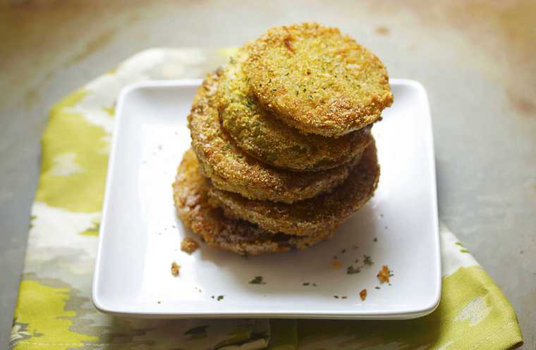 fried green tomatoes 3 - Southern Fried Green Tomatoes Recipe