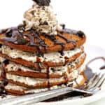 Oreo Pancakes (or Cookies and Cream Pancakes) | Grandbaby Cakes