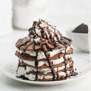 Oreo Pancakes (or Cookies and Cream Pancakes)