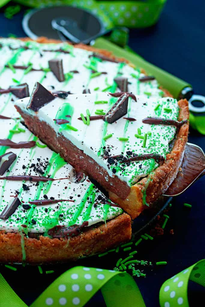 baileys st. patricks day dessert pizza 4 683x1024 - St. Patrick's Day Dessert Pizza