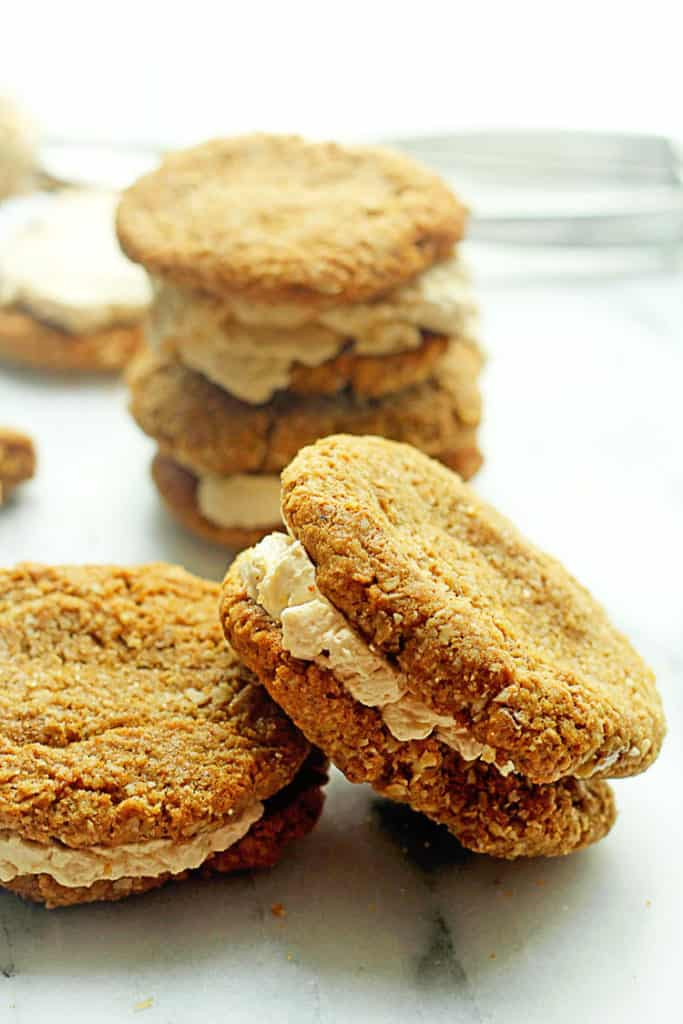 Delightful Oatmeal and Turbinado Cream Cookie Sandwiches from the ...