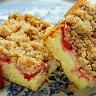 Strawberry Crumble Coffee Cake featured image 320x320 - Strawberry Crumble Coffee Cake