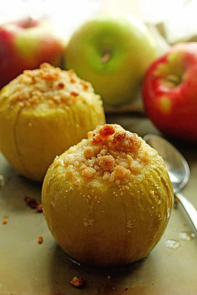 Baked Crumble Apples 1 - Baked Apples with Basic Apple Crumble Recipe
