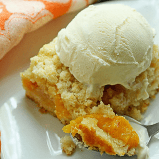 Homemade Peach Crumb Bars Recipe