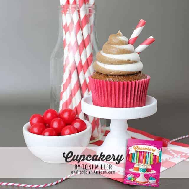 ROOTBEERFLOATlayoverSQ - Root Beer Cupcakes
