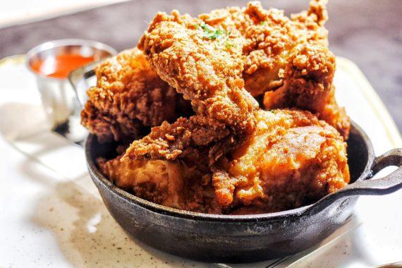 Yardbird Fried Chicken What to do in Las Vegas Grandbaby Cakes 570x380 - What to do in Las Vegas!