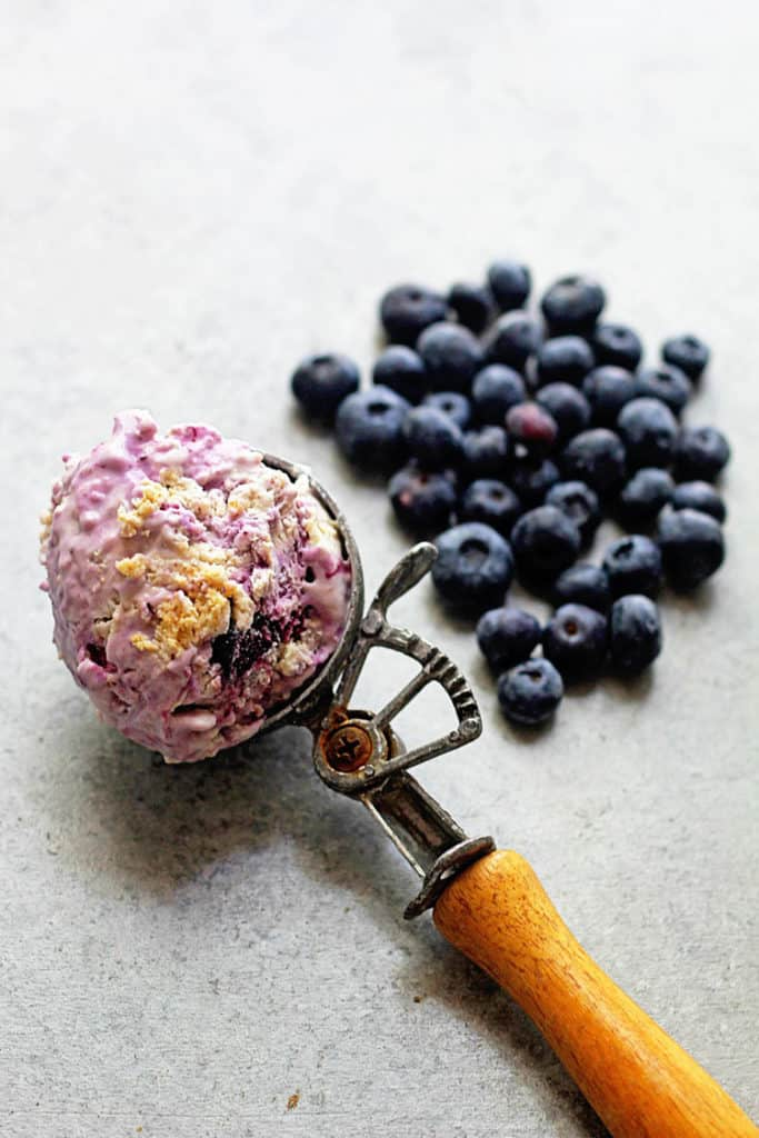 No Churn Blueberry Cheesecake Ice Cream | Grandbaby Cakes
