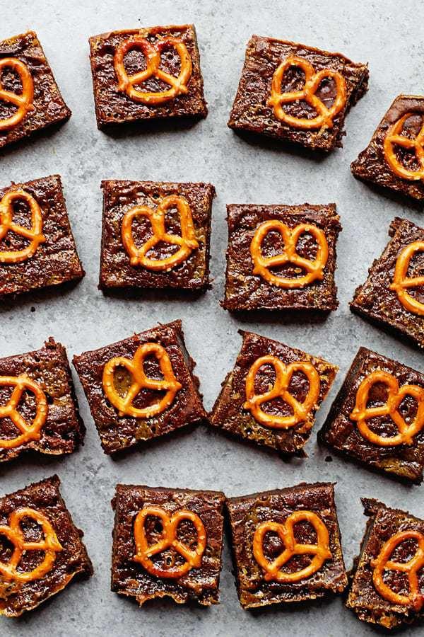 Caramel Pretzel Brownies 1 - Caramel Pretzel Brownies Recipe