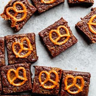Caramel Pretzel Brownies 2 320x320 - Caramel Pretzel Brownies Recipe