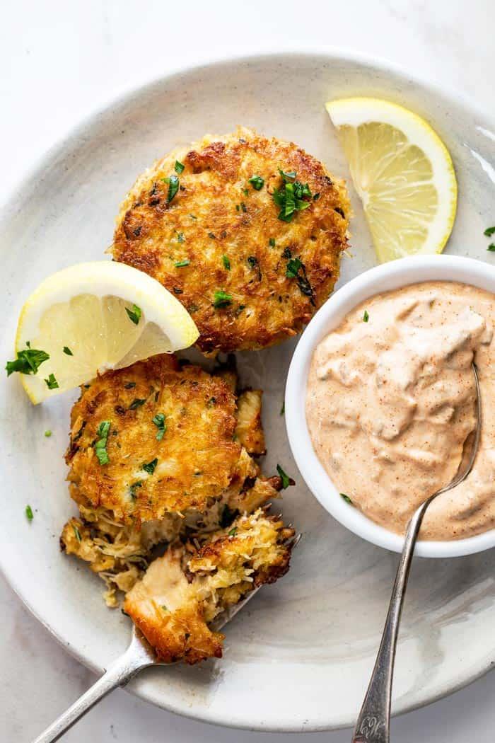 Crab cakes 4 - Crab Cake Recipe (The BEST!)