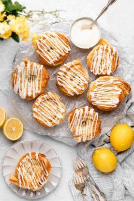 Lemon Cinnamon Roll Biscuits 2 277x416 - Lemon Cinnamon Rolls (NO YEAST!)